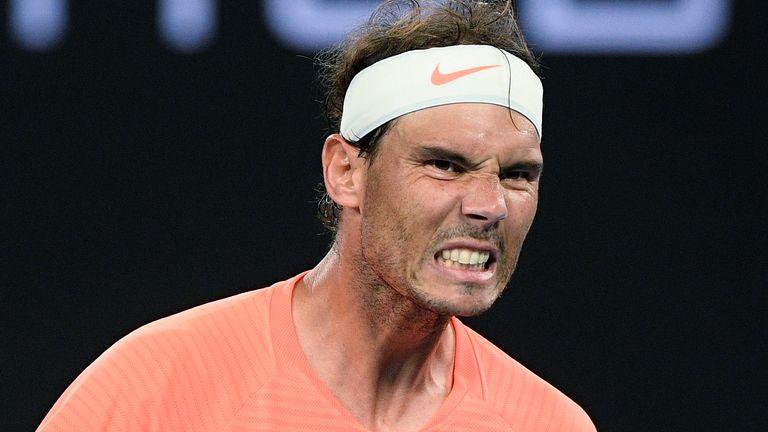 Nadal merayakan satu poin melawan lawan kidal.  Foto: Langit.