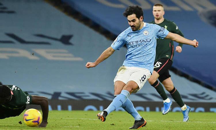 Gundogan adalah pemain terbaik Man City.  Foto: Reuters.