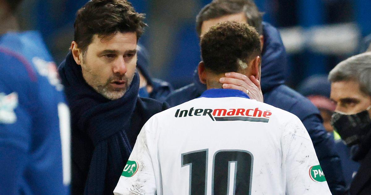 Pochettino đối mặt thách thức lớn nhất trên cương vị HLV PSG khi phải tìm phương án đấu Barca mà không có Neymar. Ảnh: Reuters