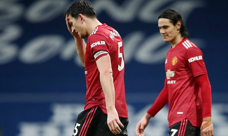 Maguire kecewa karena penalti tim tuan rumah ditolak.  Foto: Reuters.