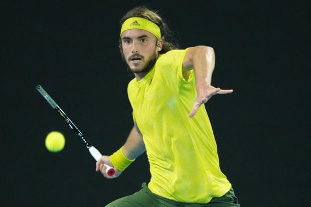 Tsitsipas bừng tỉnh từ set ba, và thắng ngược Nadal. Ảnh: EPA.