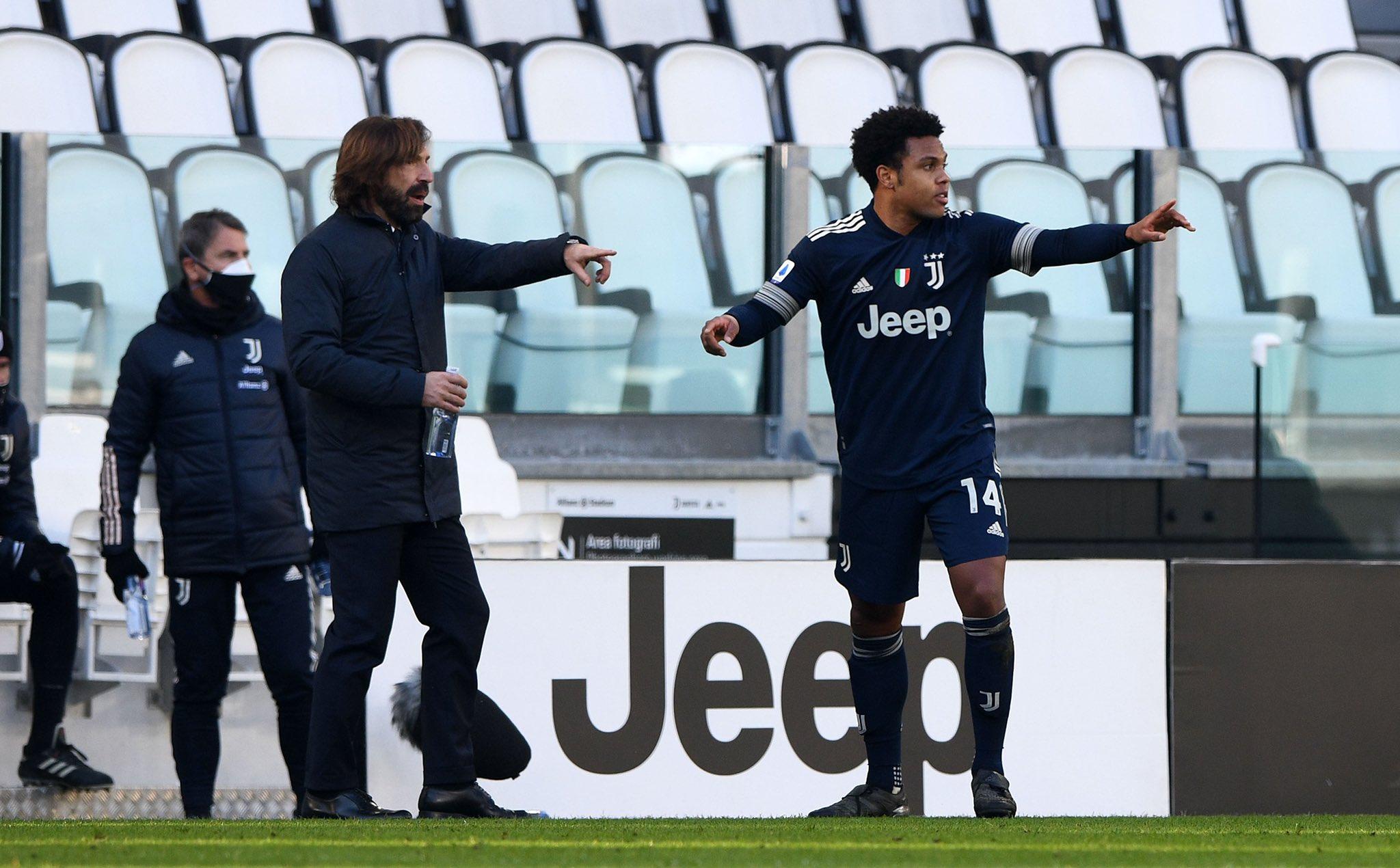 Pirlo memiliki kecenderungan untuk mengarahkan para pembelajar permainan secara perlahan, menunggu lawan membuat celah untuk menyerang.  Foto: Juventus FC
