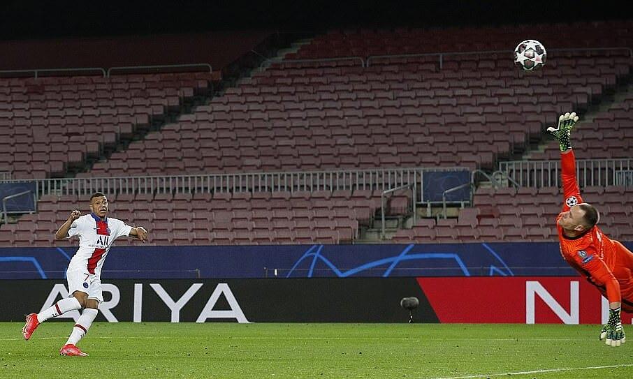 ความสนใจของ Mbappe ทำให้คะแนน 4-1 สำหรับ PSG  ภาพ: Reuters