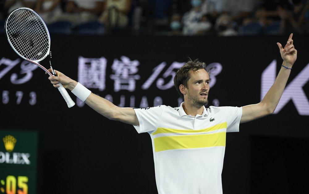 46 winner đưa Medvedev lần thứ hai vào chung kết Grand Slam. Ảnh: AP.