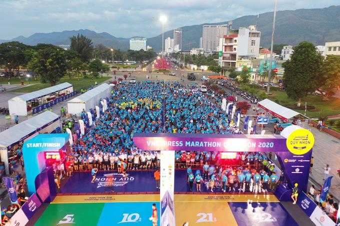 Hàng nghìn runner đang chuẩn bị xuất phát tại VM Quy Nhơn 2020.