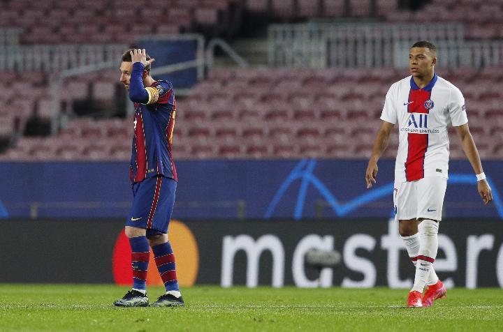 Messi và Barca thảm bại trong trận tiếp PSG của Mbappe. Ảnh: Reuters.
