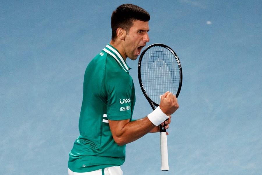 Nếu thắng Medvedev, Djokovic có 18 Grand Slam, chỉ kém hai so với kỷ lục của Federer và Nadal. Ảnh: Australianopen.