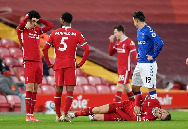 Liverpool đang làm tất cả ngạc nhiên bằng màn tuột dốc với bốn trận thua liên tiếp. Ảnh: Reuters.