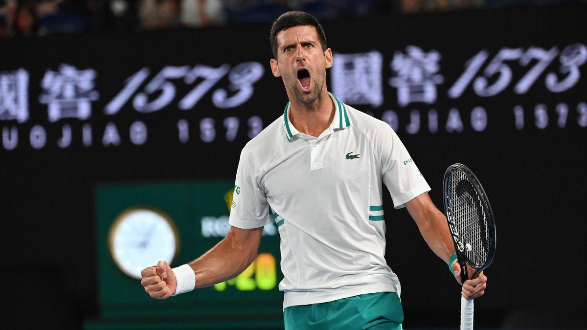 Djokovic gặp nhiều rắc rối bên lề trong quá trình dự Australia Mở rộng 2021. Ảnh: Guardian.