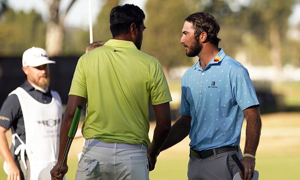 Jika aturan baru diterapkan mulai akhir pekan lalu, Homa (kanan) kemungkinan tidak akan menang melawan Tony Finau (kemeja hijau dan pisang) dalam seri play-off untuk kejuaraan Genesis Invitational pada 21 Februari.  Foto: AP