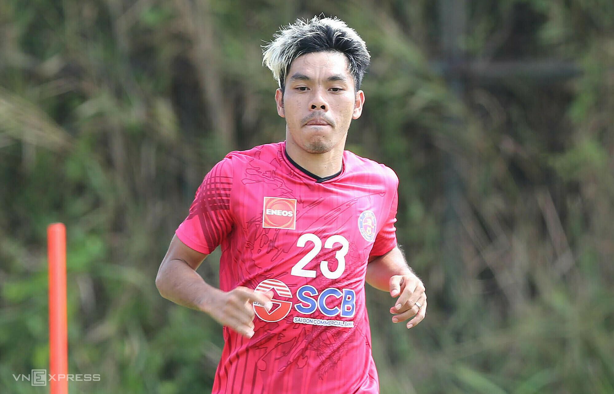 Cao Van Trien adalah pemain pertama dari Saigon FC yang dibawa ke Jepang untuk bermain di J-League 2 pada Juli 2021.  Foto: Duc Dong.