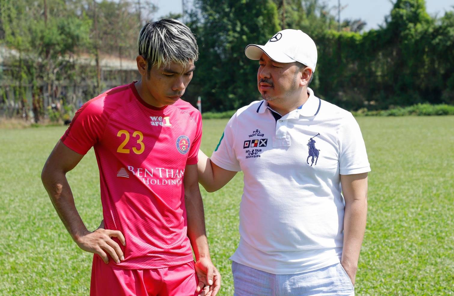 Setelah mengumumkan akan membawa Cao Van Trien untuk tampil di J-League 2, dalam waktu dekat, Mr. Tran Hoa Binh akan mengumumkan pemain lain untuk bermain di divisi 3 Jepang.