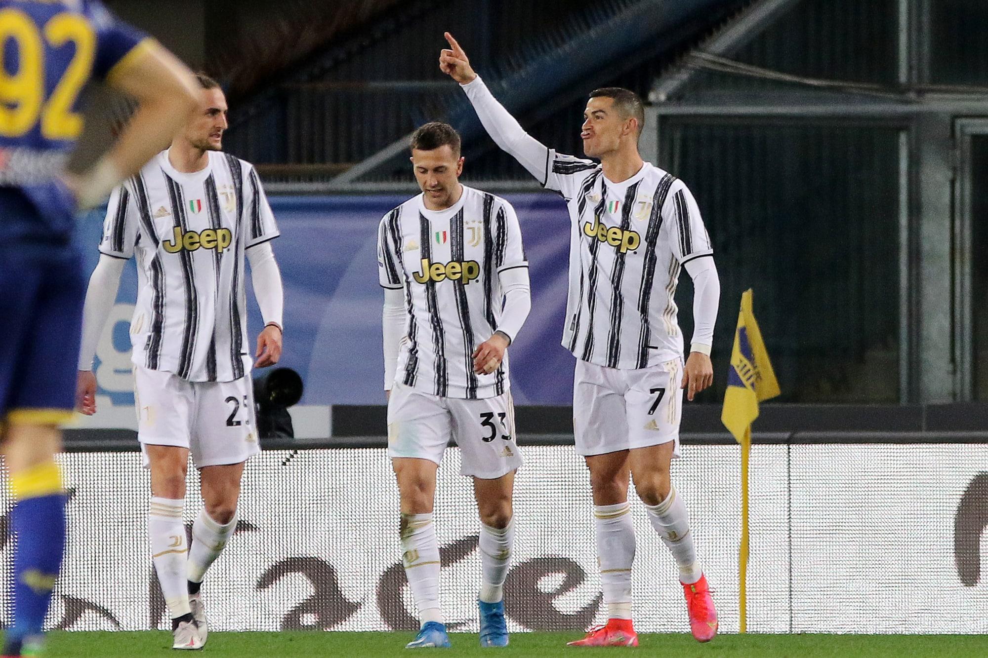 Ronaldo mừng bàn mở tỷ số trận đấu ở đầu hiệp hai. Ảnh: ANSA