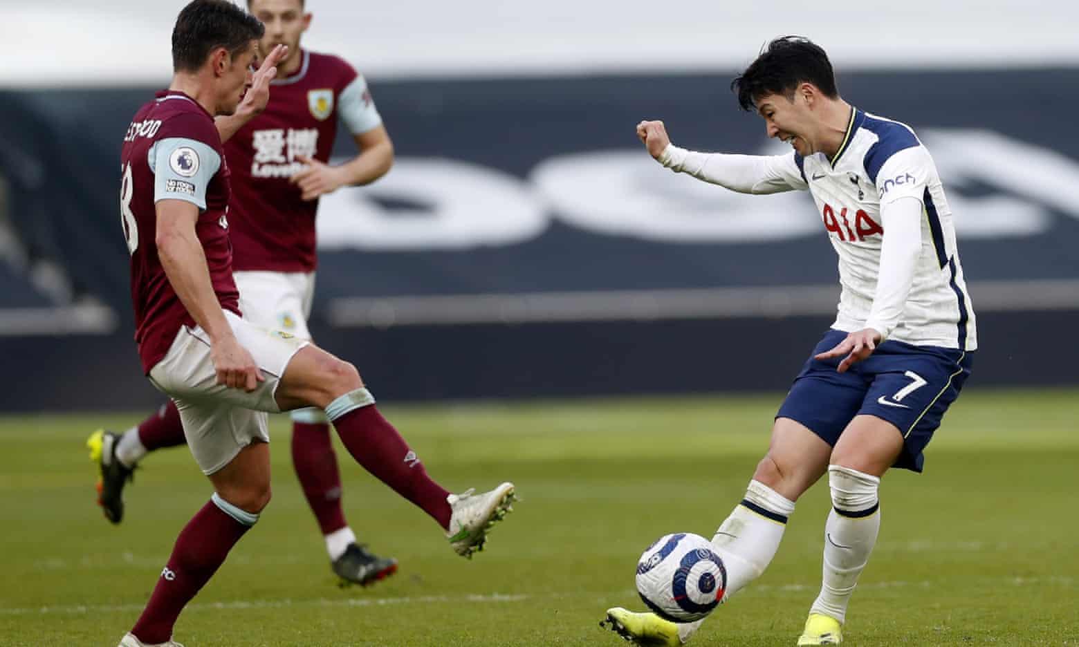 Son sendiri menciptakan tujuh peluang dalam game ini - rekornya sendiri di Tottenham, tetapi terbukti canggung dalam tembakan.  Foto: EPA