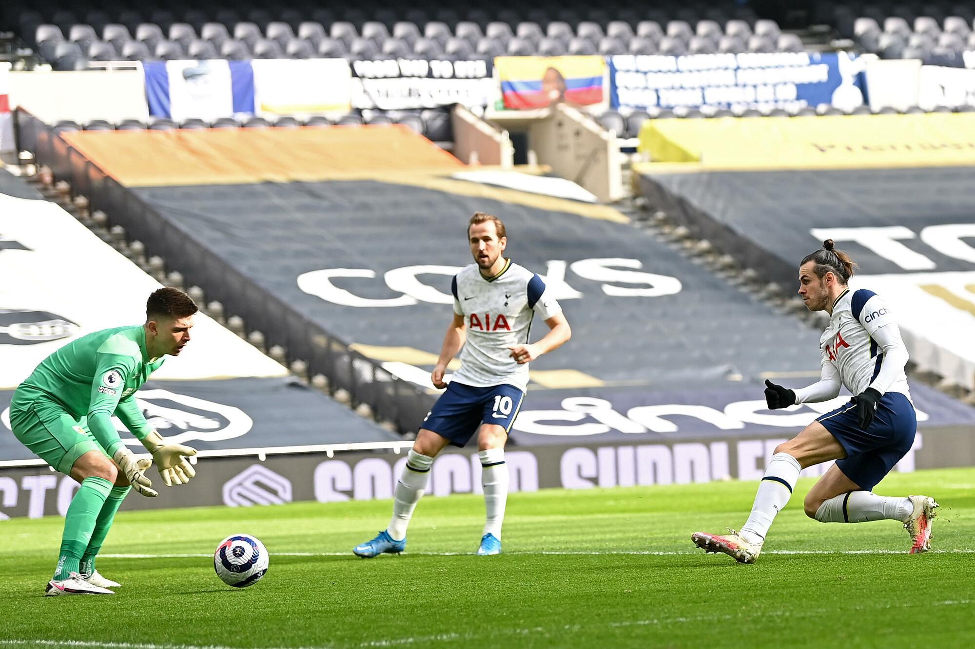 Bale dalam situasi pembukaan pertandingan.  Foto: Twitter / Liga Inggris
