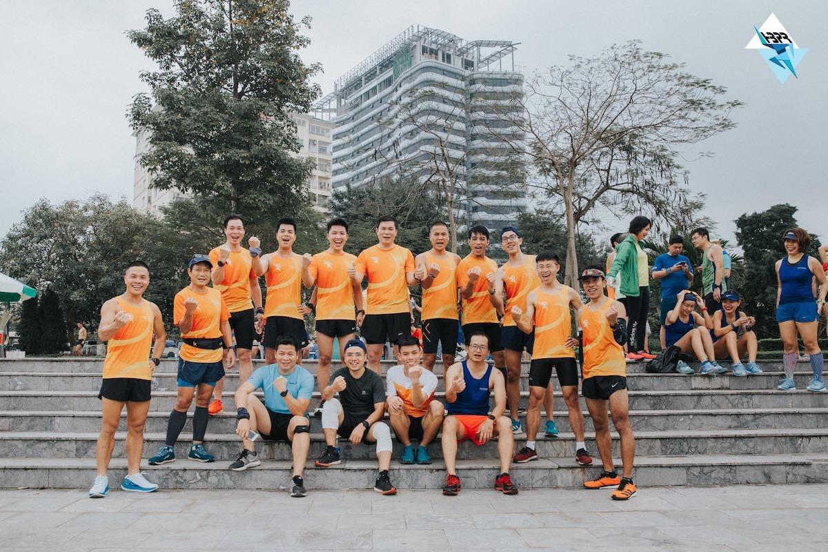 Members of Hoa Binh Park Runners.  Photo: HBPR.