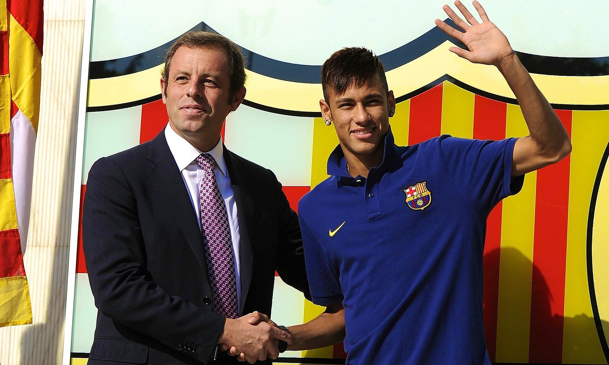 Rosell harus mengundurkan diri karena penggelapan uang dalam transfer Neymar.  Foto: AFP