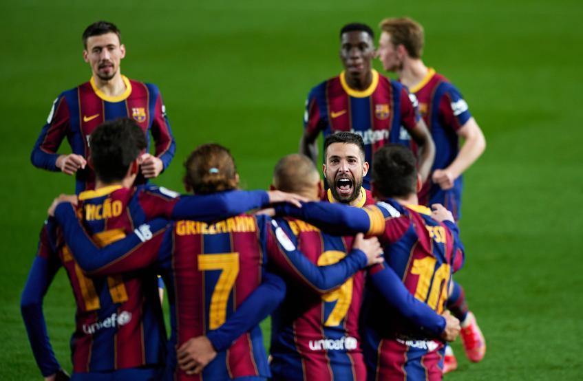 Barca vào chung kết sau khi khiến CĐV tưởng như cạn hy vọng. Ảnh: Mundo Deportivo.