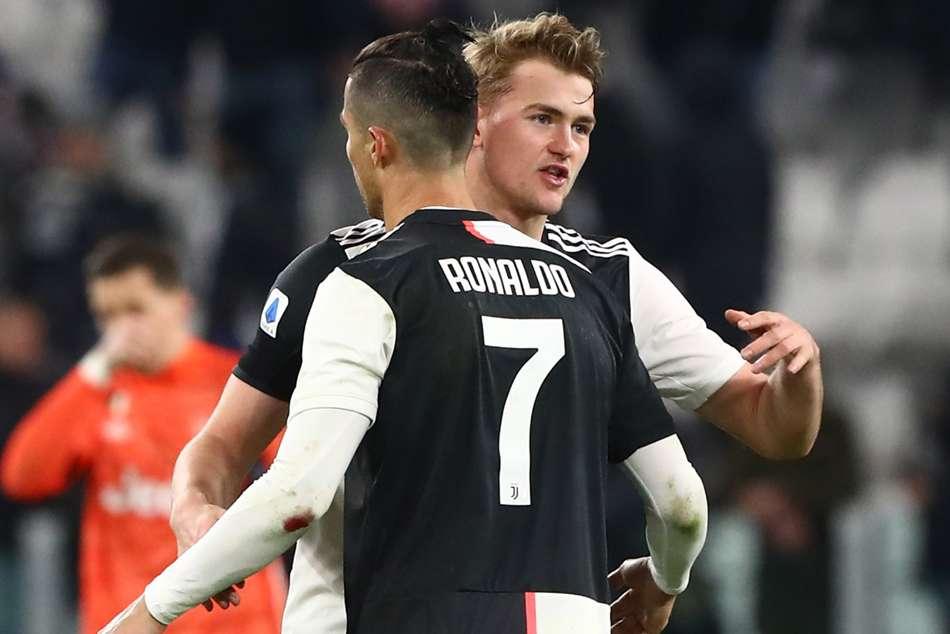 Juventus tidak mungkin mempertahankan banyak pemain mahal dan bergaji tinggi pada saat yang bersamaan.  Foto: Reuters.