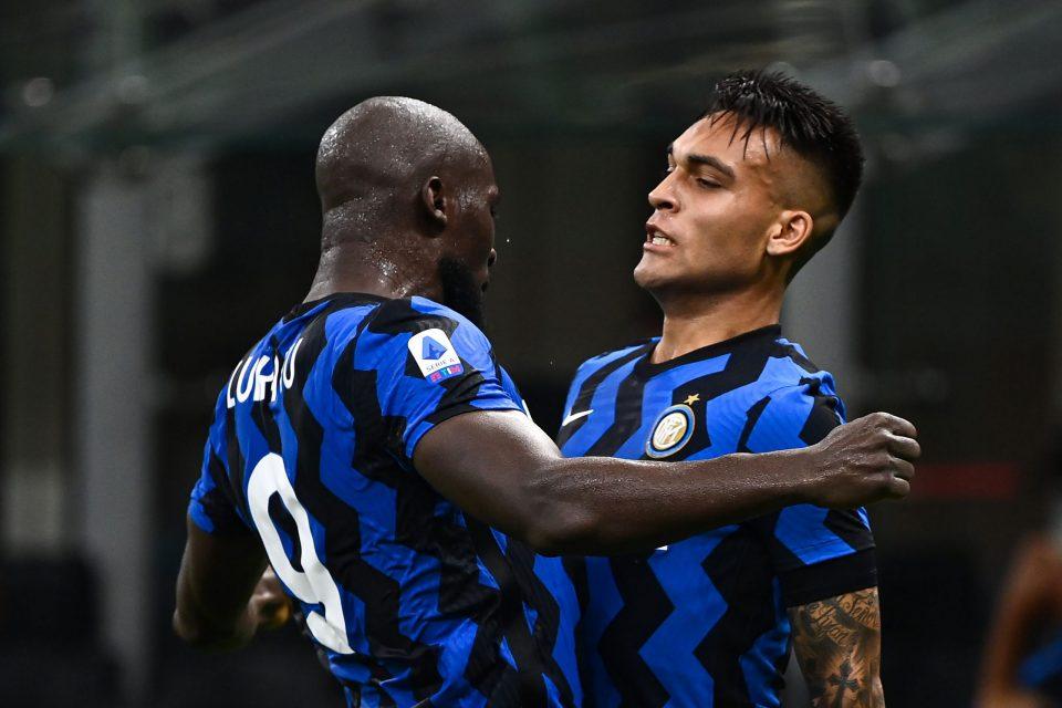 Man Utd ingin Inter membayar utangnya kepada Lukaku dengan menugaskan Lautaro.  Foto: Siempre Inter