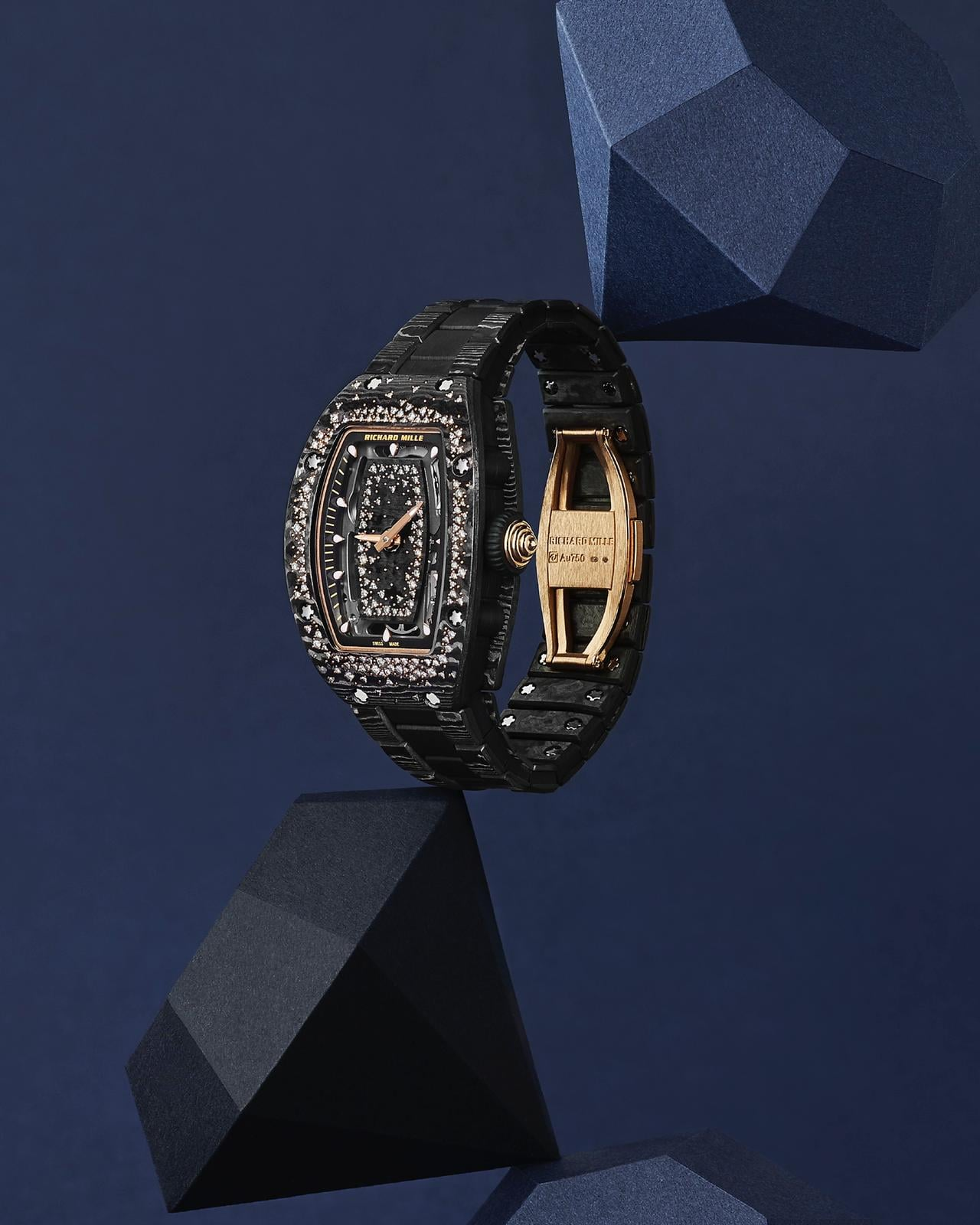 Flore is in love with the RM 07-01 Starry Night version with the carbon TPT case, adorned with diamonds that are randomly attached like a starry night sky.