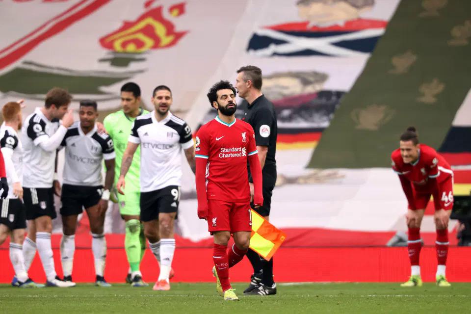 Performa buruk para penyerang kunci seperti Salah membuat Liverpool tak mampu mencetak gol di Anfield selama enam pertandingan terakhir dari siaran langsung sepakbola.  Foto: AP