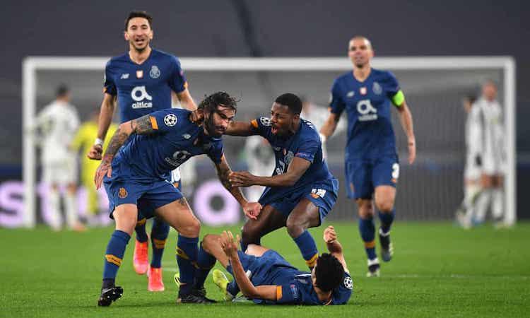 Oliveira là người hùng của Porto với pha sút phạt thành bàn ở cuối hiệp phụ thứ hai. Ảnh: AFP.