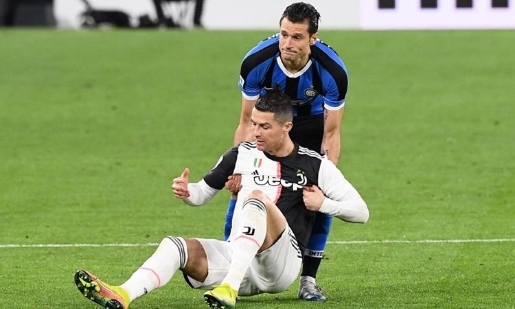 Juventus của Ronaldo vừa thắng Inter 2-0 để giữ chắc đỉnh bảng Serie A. Ảnh: AFP.