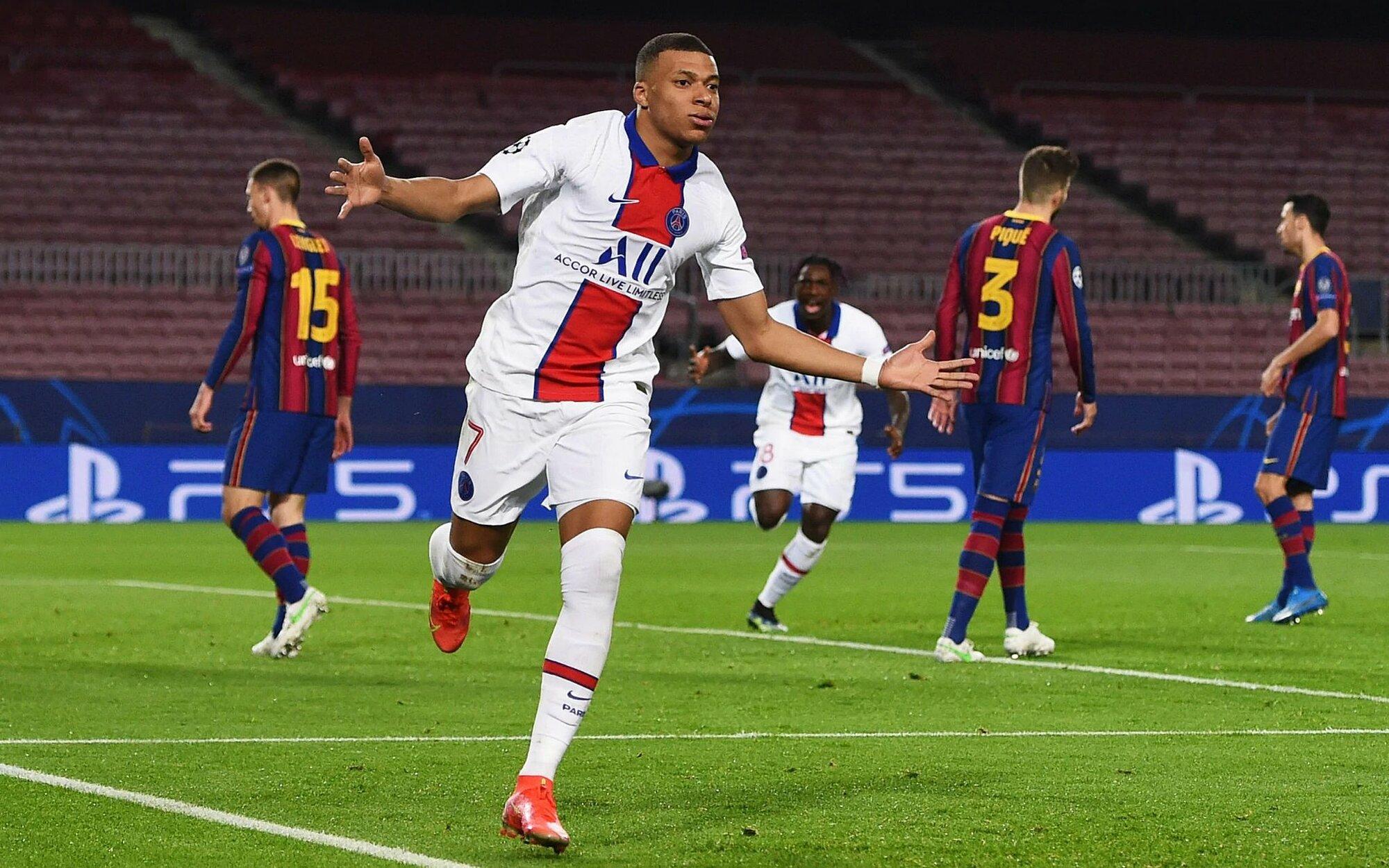 Mbappe ฉลองประตูในเกม PSG กับ Barca ด้วยแฮททริคเมื่อวันที่ 16 กุมภาพันธ์  ภาพ: AP