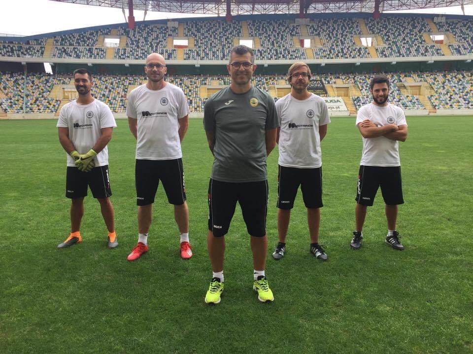 Cristiano menerima gelar kepelatihan B dari Federasi Sepak Bola Eropa.  Ini adalah orang asing langka yang pernah berkompetisi dan berpartisipasi dalam pelatihan di V-League.