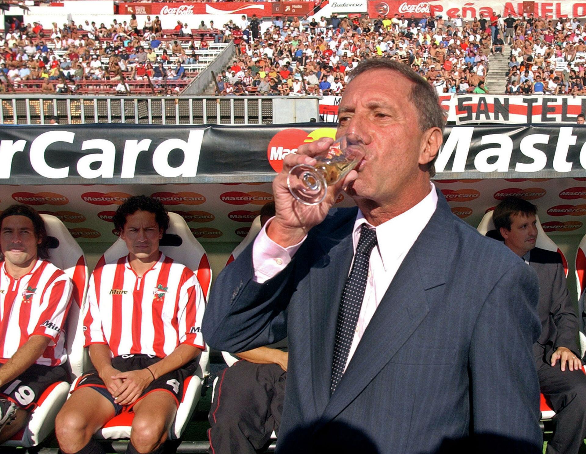 Bilardo thời còn dẫn dắt Estudiantes.