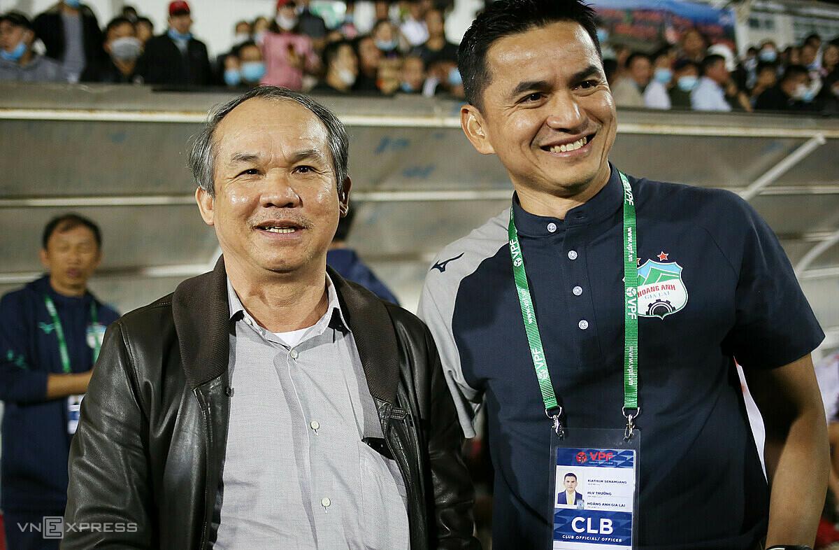 Kiatisuk tidak meninggalkan banyak prestasi profesional setelah kembali ke HAGL.  Foto: Duc Dong