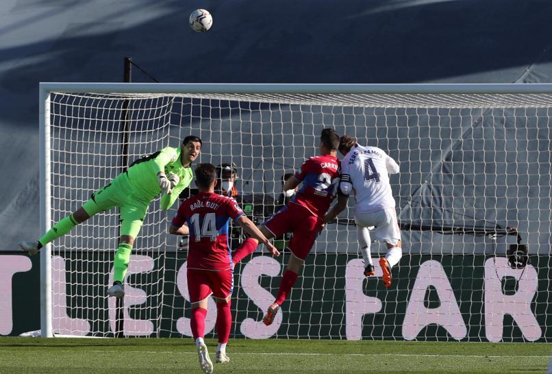 Real mengalami banyak kesulitan sebelum Elche.  Foto: EFE.