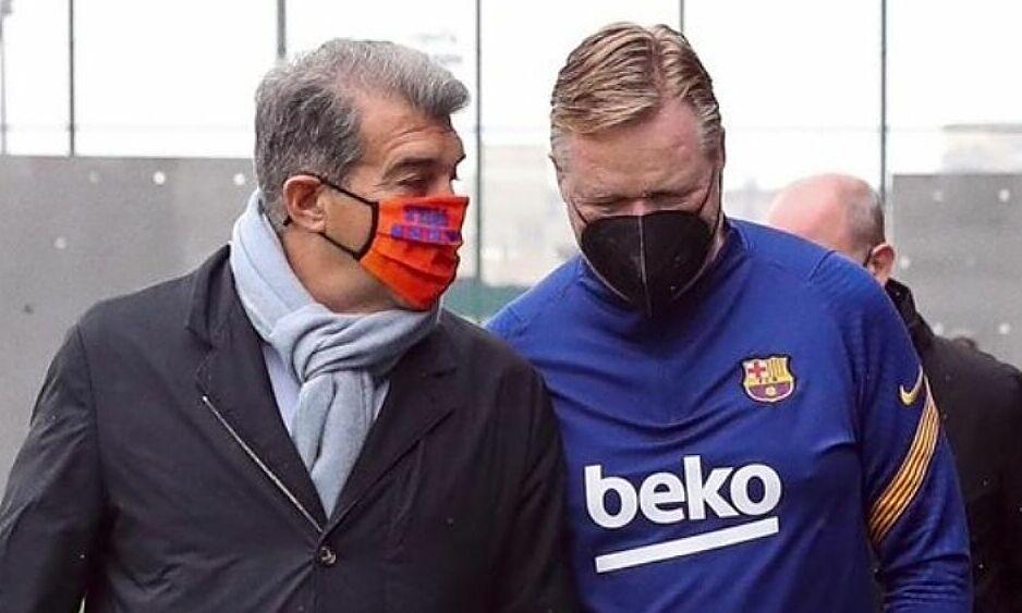 Laporta พบกับ Koeman ที่สนามฝึกซ้อมของ Joan Gamper หลังจากที่เขาได้รับเลือกเป็นประธานของ Barca  ภาพ: EFE