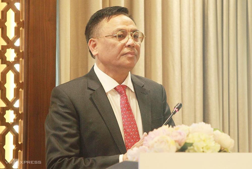 Bau Doan berjanji untuk mengkhawatirkan stabilitas ekonomi agar pemain Thanh Hoa bisa bermain sepak bola dengan tenang.  Foto: Mai The