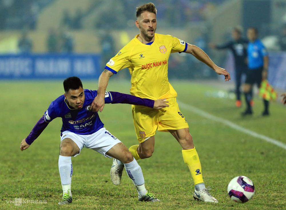 Gramoz chỉ chơi cho Nam Định một trận - trận ra quân thắng Hà Nội 3-0 hôm 15/1. Ảnh: Lâm Thỏa