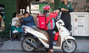 Nhiều phụ nữ Việt làm tài xế công nghệ