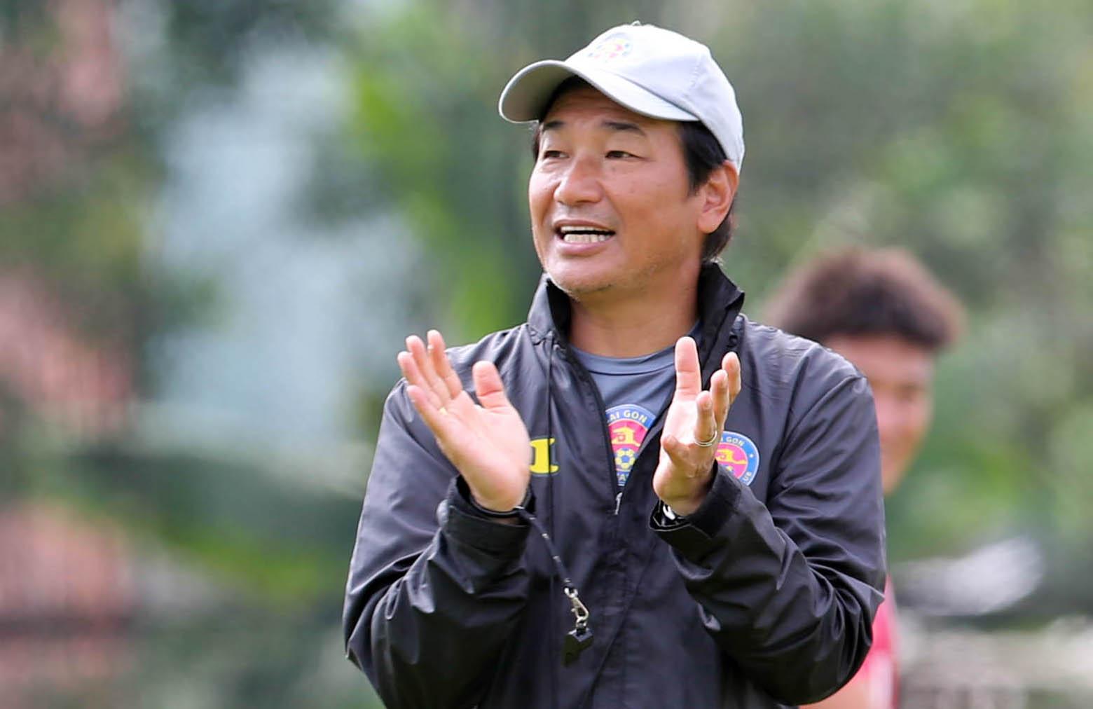 Tn. Shimoda akan melakukan debut pertamanya sebagai manajer Saigon FC.  Foto: Duc Dong.