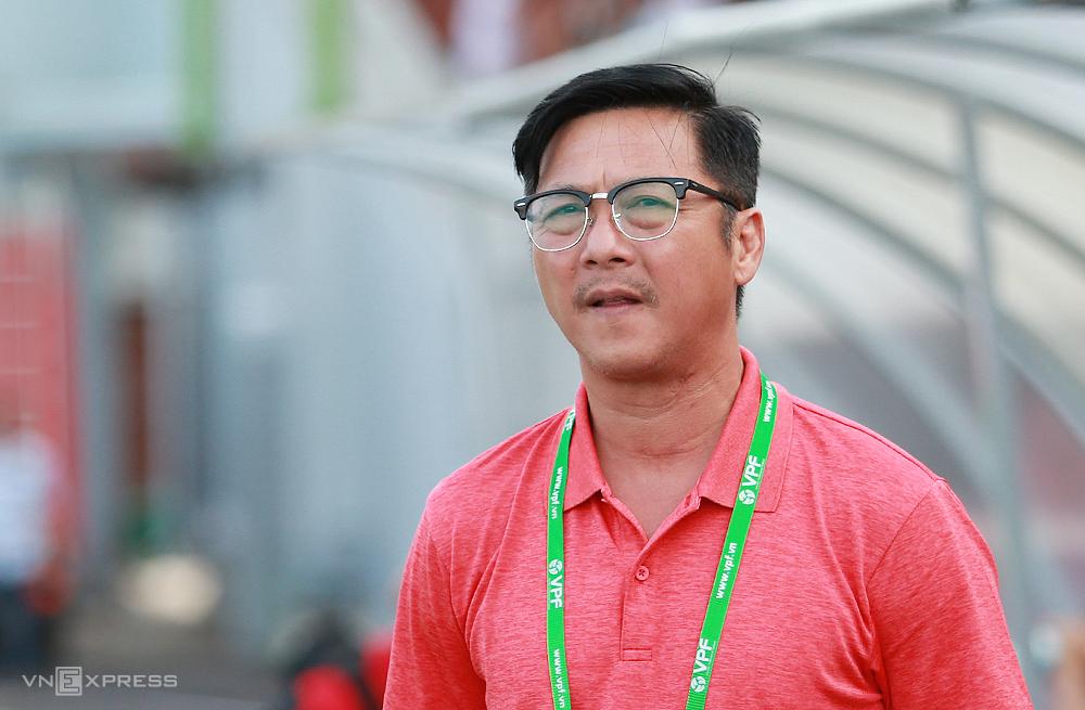 HLV Lê Huỳnh Đức trong trận thua 0-1 trên sân Quy Nhơn ngày 19/3. Ảnh: Lâm Thoả