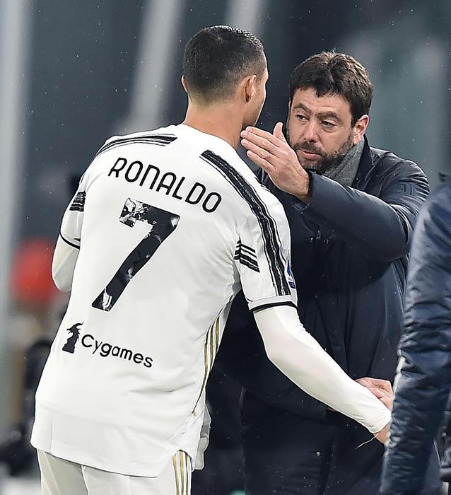 Agnelli và ban lãnh đạo Juventus đang chịu áp lực rất lớn về tài chính từ canh bạc mang tên Ronaldo. Ảnh: ANSA