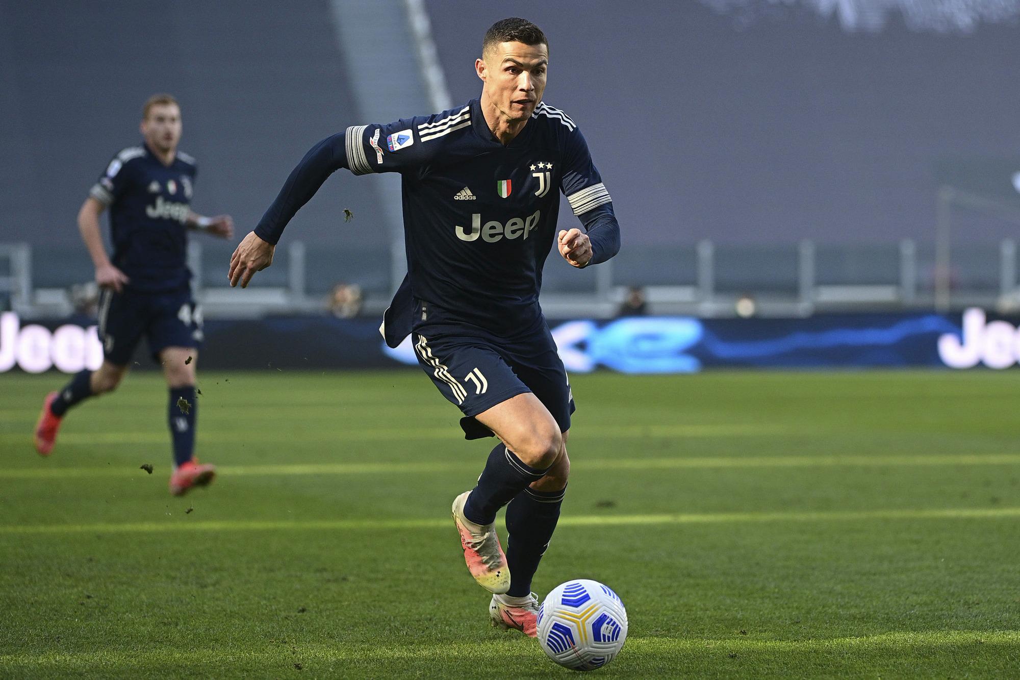 Ronaldo không đủ sức kéo nỗi một tập thể Juventus kém chất lượng nhất từ khoảng 10 năm qua đi lên. Ảnh: Lapresse