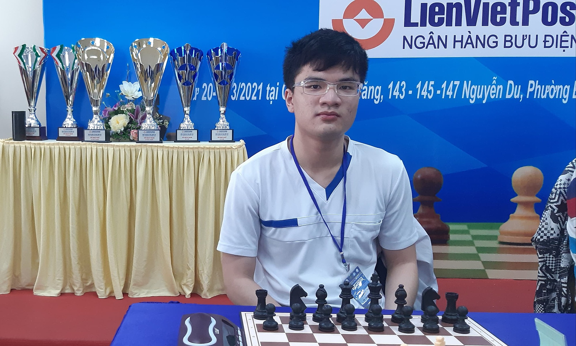 Mr. Khoi is Vietnam's 11th grandmaster. Recently, he rarely played because he is busy studying culture.