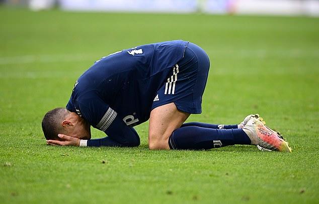 Ronaldo liên tục bị các chuyên gia bóng đá Italy chỉ trích sau thất bại của Juventus.