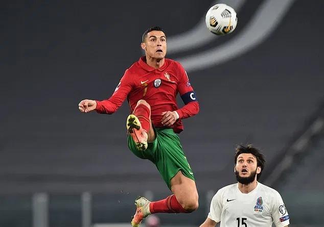 Bek Azerbaijan bermain efektif melawan superstar Portugis.