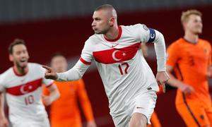 Hà Lan thua đậm trận đầu vòng loại World Cup 2022