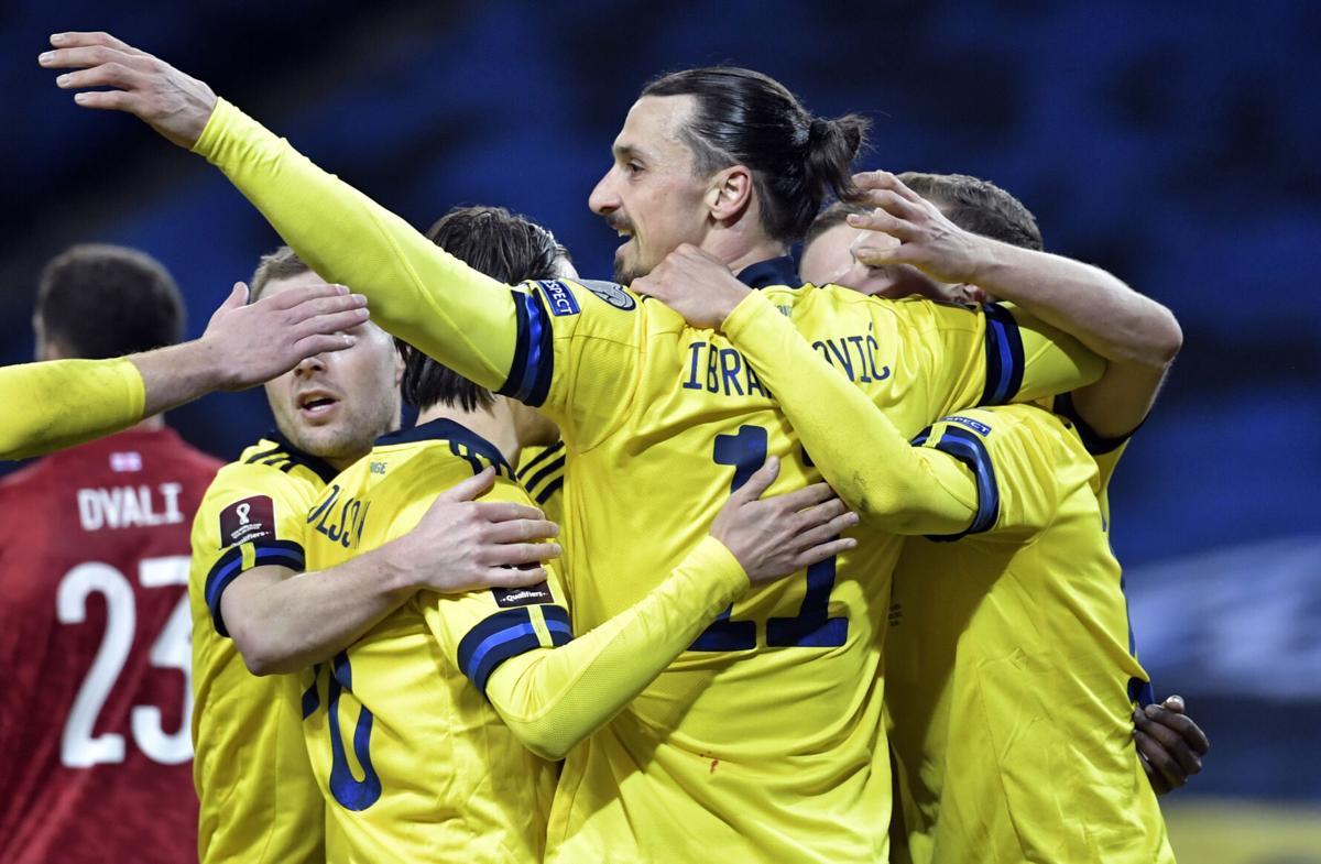 Ibrahimovic membantu Swedia memulai dengan awal yang baik di kualifikasi Piala Dunia.  Foto: AP.