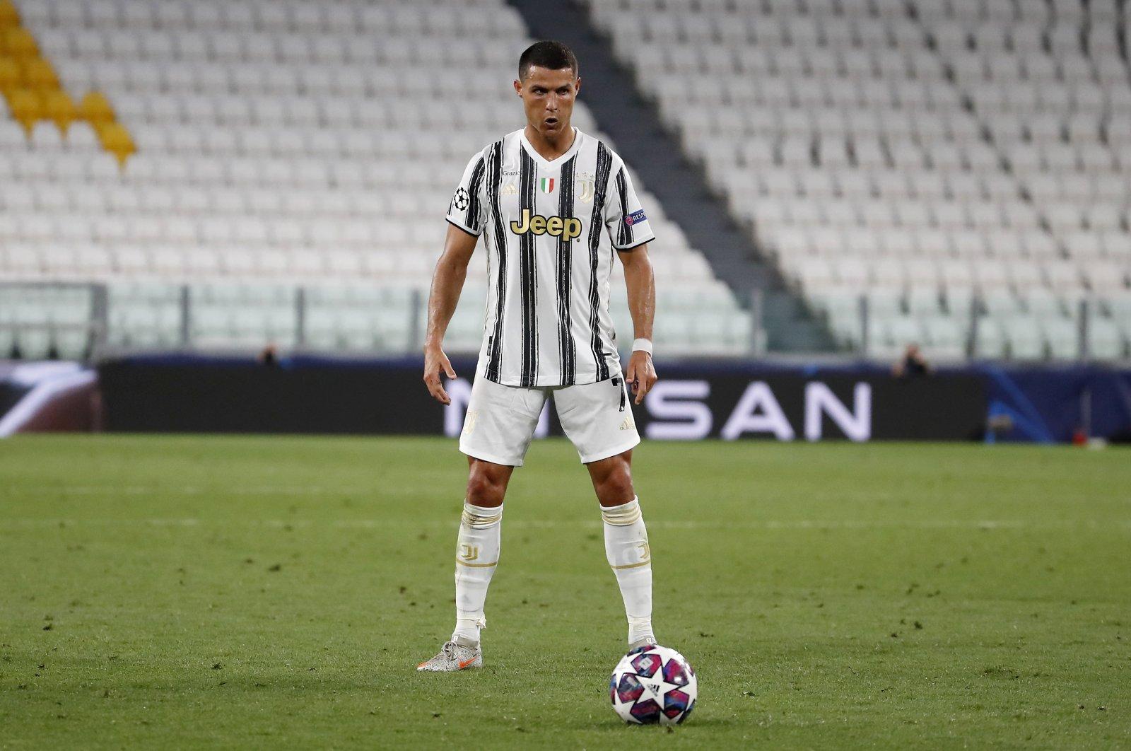 Ronaldo giảm hiệu quả sút phạt từ khi khoác áo Juventus. Ảnh: AP.