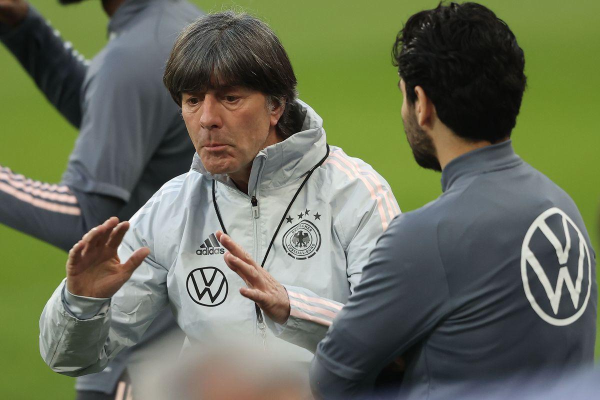 Low, 61, telah bersama Jerman sejak 2004, tetapi tidak memiliki pengalaman memimpin klub-klub besar.  Foto: DPA