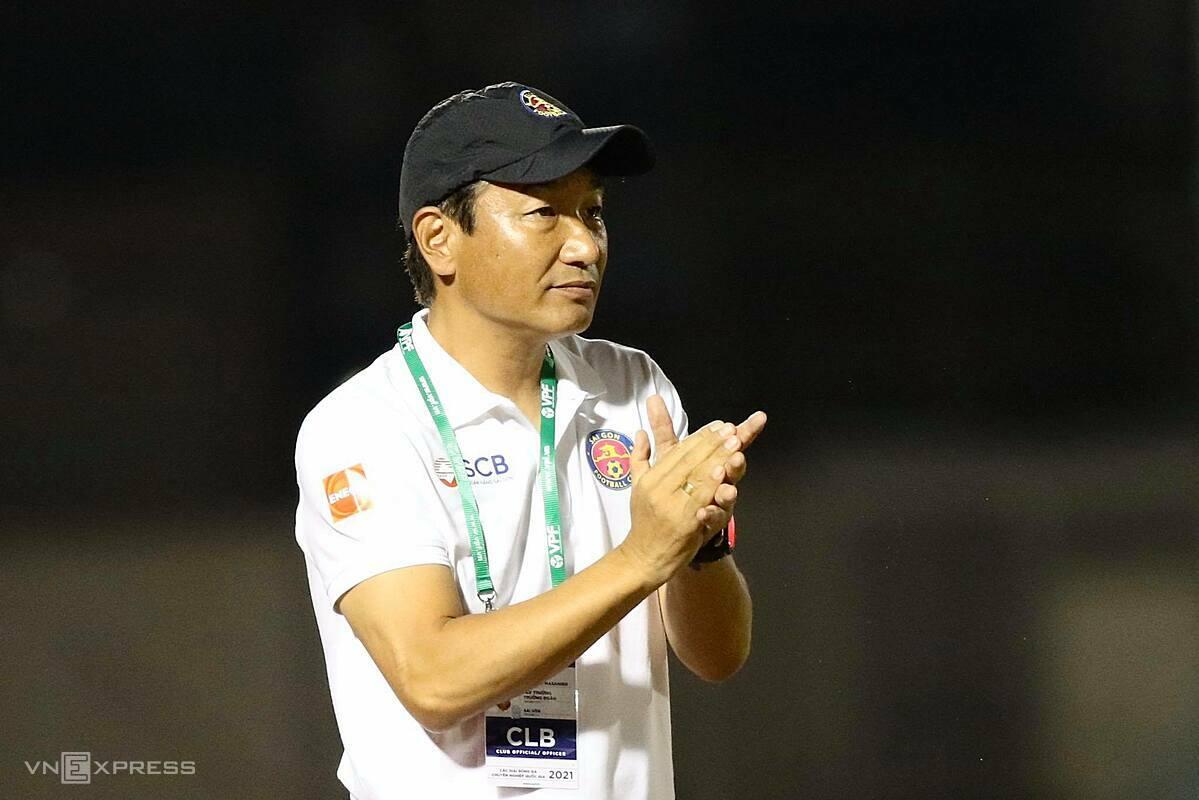 ชิโมดะออกจากทีมหลังจากพ่ายแพ้สามนัดในไซง่อนเอฟซี  ภาพ: Duc Dong