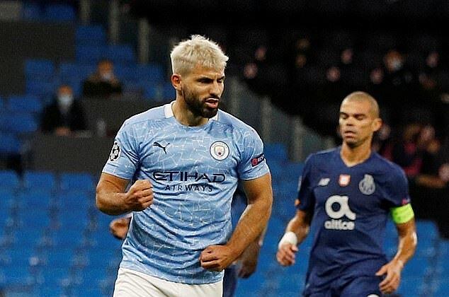 Karena cedera, Aguero baru memulai 5 kali untuk Man City musim ini dan mencetak 3 gol.  Foto: Reuters.